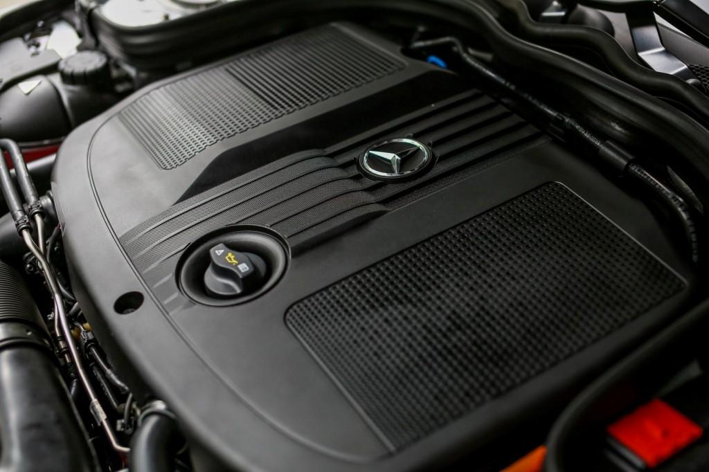 Mercedes-Benz E 300 BlueTEC Hybrid - 14