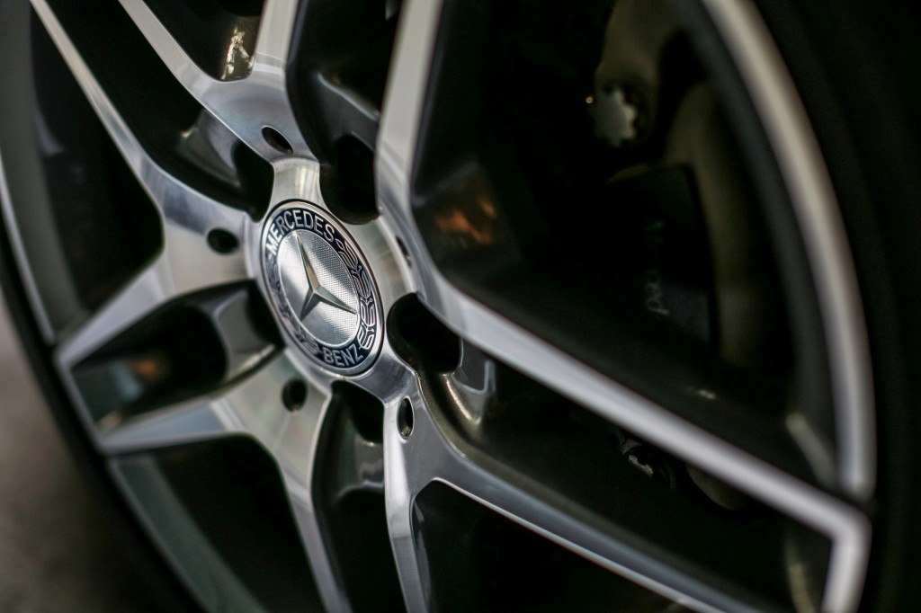 Mercedes-Benz E 300 BlueTEC Hybrid - 22