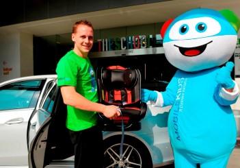 Mercedes-Benz child car seat campaign - 01