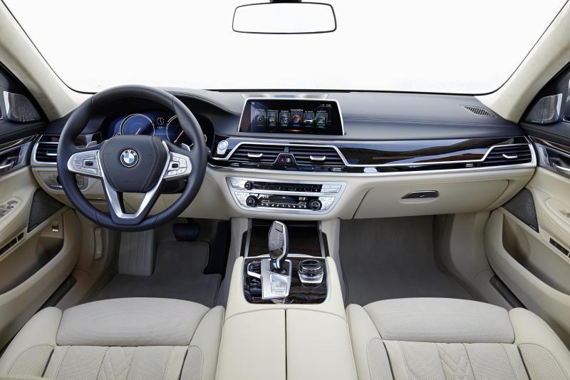 BMW 750Li xDrive - 09