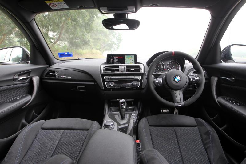 BMW 120i M Sport - 17