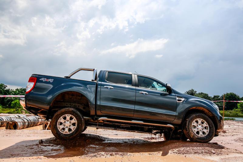 Ford Ranger 2.2 XLT - 03