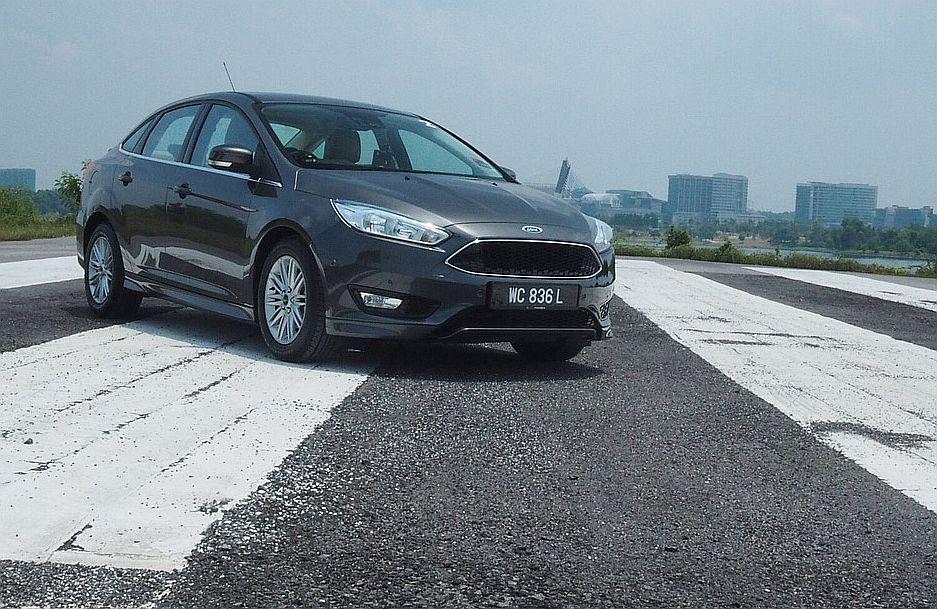 2016 Ford Focus Titanium+ sedan