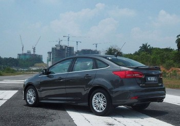 2016 Ford Focus Titanium+ sedan