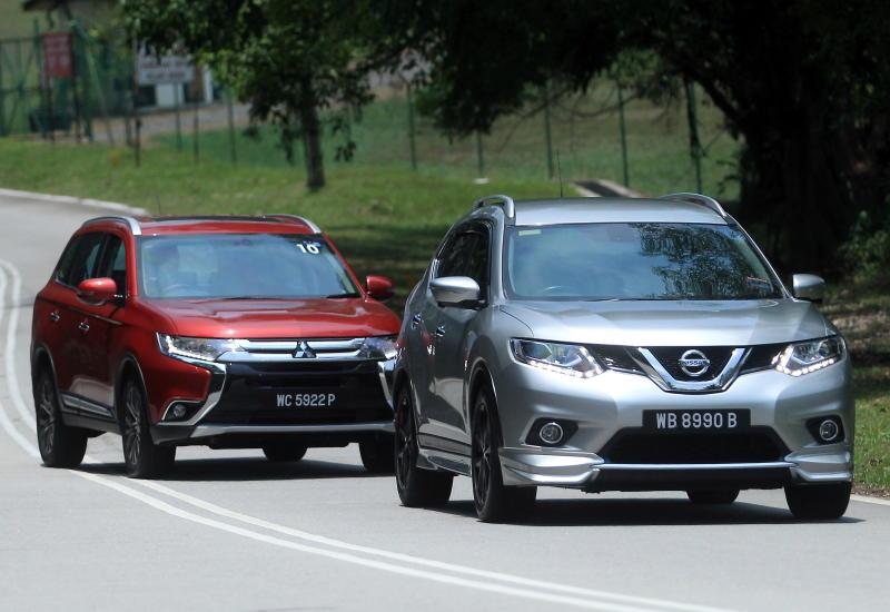 Nissan X-Trail vs Mitsubishi Outlander   CarSifu