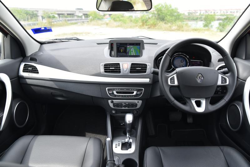 Renault Fluence Tested Carsifu