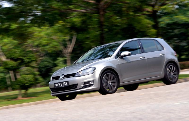 Volkswagen Golf 1.4 TSI Highline - 01