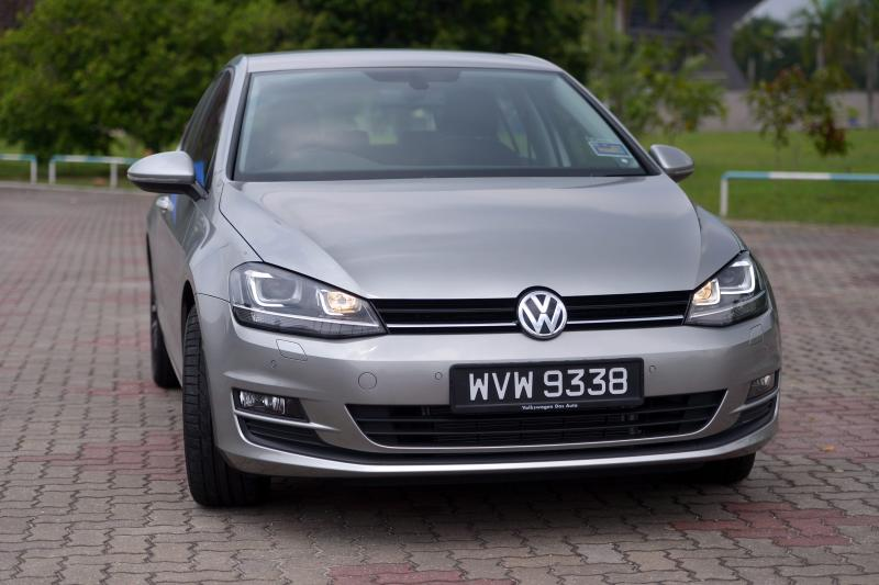 Volkswagen Golf 1.4 TSI Highline - 02