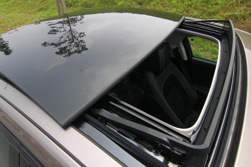 Jaguar XE - 13