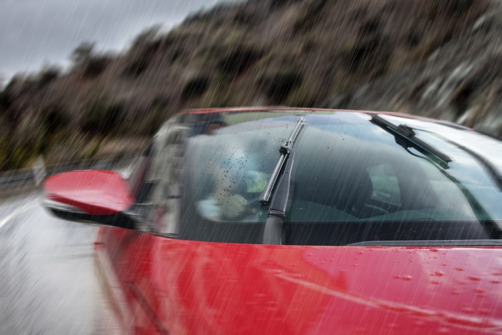 Bosch Clear Advantage Wiper (3) LowRes
