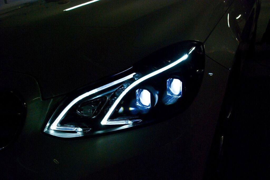 mercedes benz shows off better adaptive headlights carsifu mercedes benz shows off better adaptive
