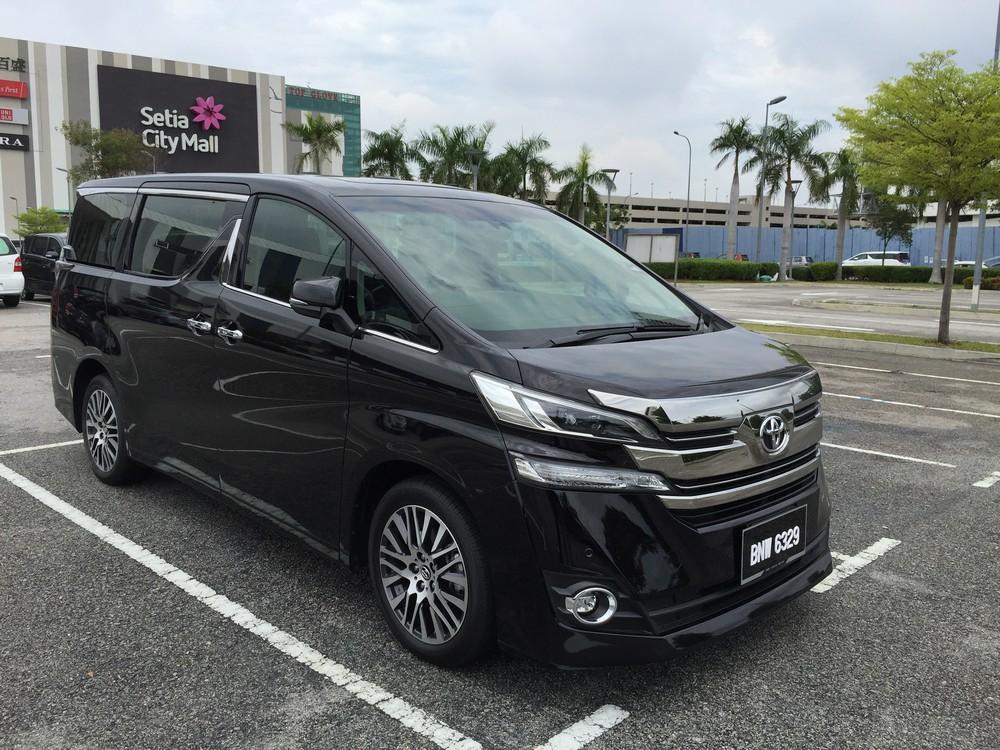 New Toyota Alphard and Vellfire compared | CarSifu