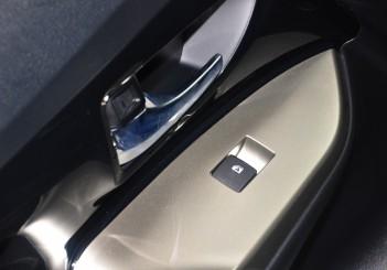 Toyota Innova 2.0G - 17-1