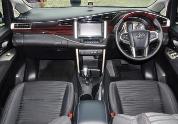 Toyota Innova 2.0G - 20