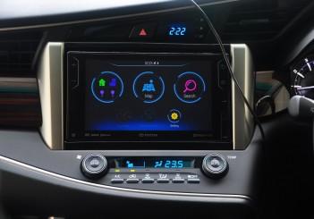Toyota Innova 2.0G - 22