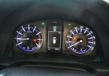 Toyota Innova 2.0G - 30