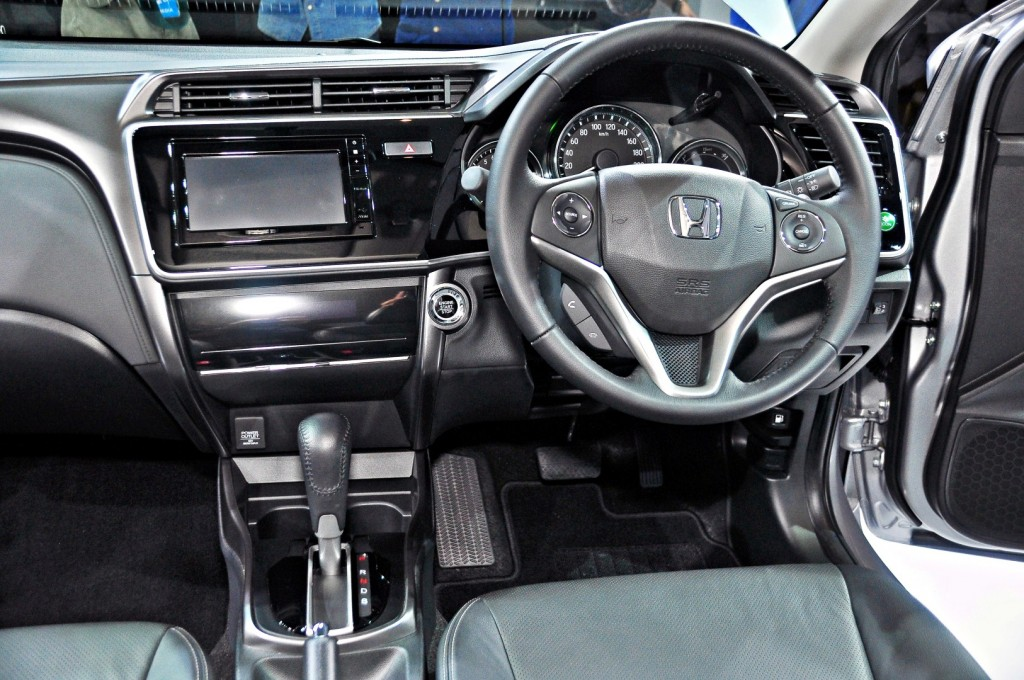 Honda City V versus Toyota Vios G - which is the winner