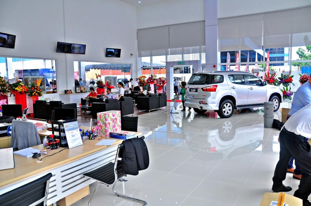Isuzu Flagship after-sales facility - 03