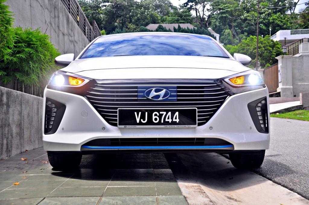 Hyundai Ioniq HEV Plus - 01