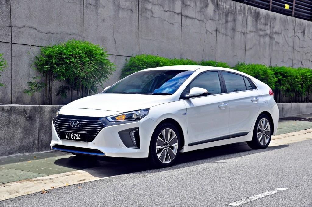 Hyundai Ioniq HEV Plus - 02