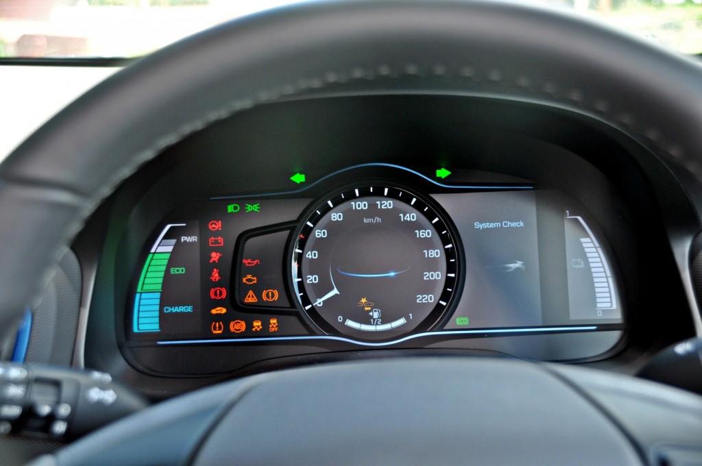 Hyundai Ioniq HEV Plus - 43