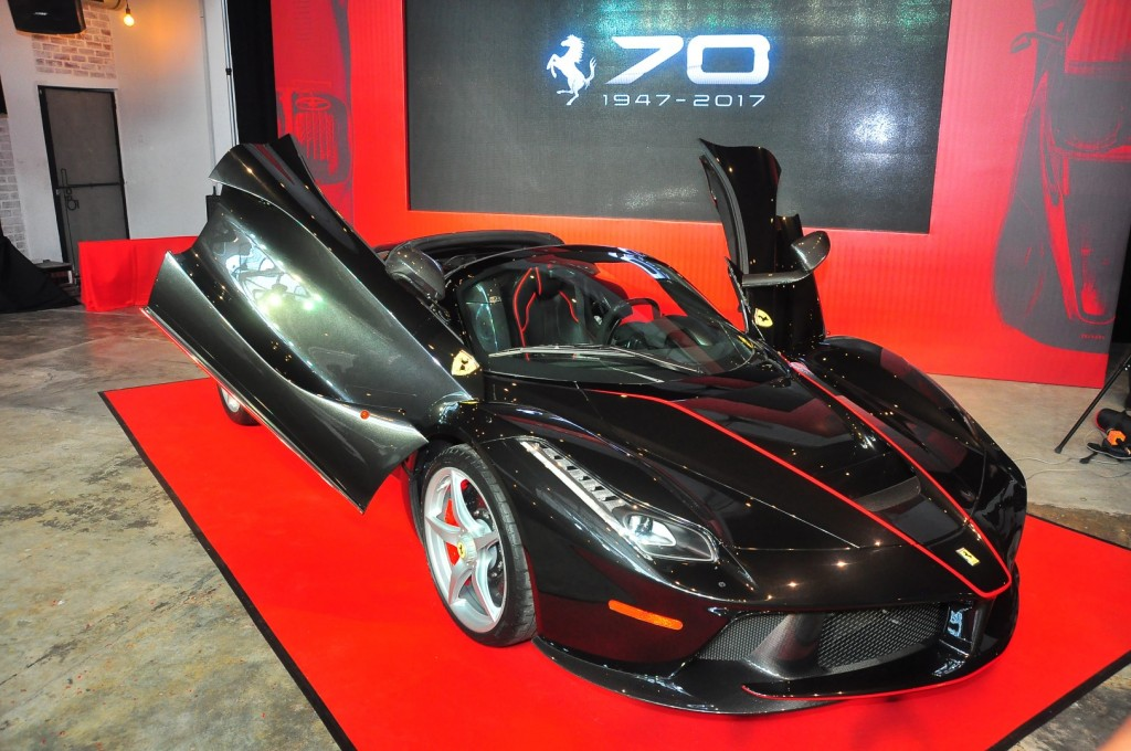 Ferrari LaFerrari Aperta 70th Anniversary arrives from RM6