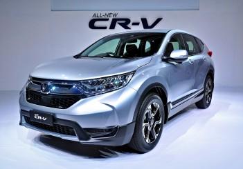 Honda CR-V 1.5T 2WD (gen-5) - 01
