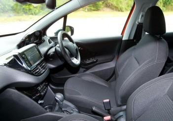 Peugeot 208 PureTech tested | CarSifu