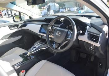 2017 Honda Clarity Fuel Cell Carsifu (15)