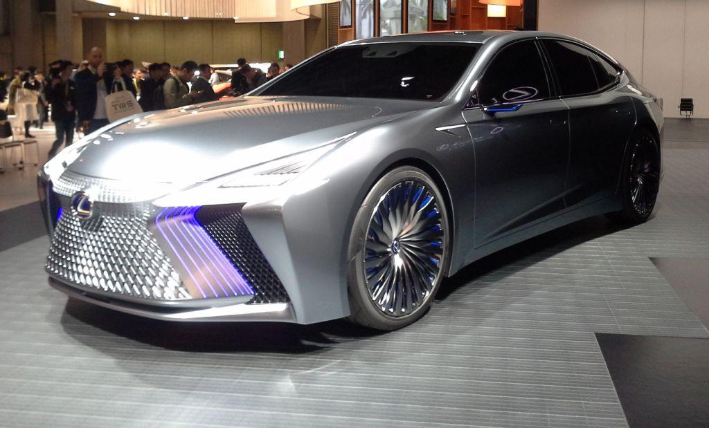2017 Tokyo Motor Show: Lexus LS+ Concept points way to self
