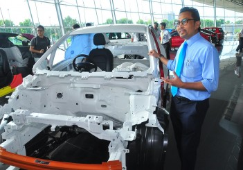 Proton - 01 Proton vice president of sales and marketing Abdul Rashid Musa