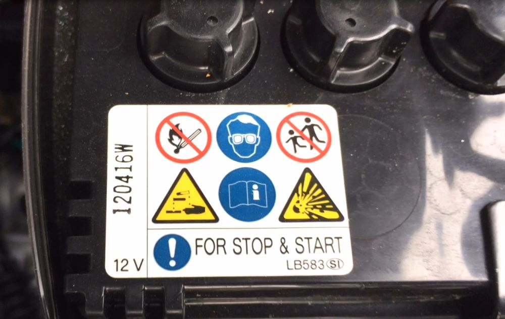 What to watch for when replacing a stop-start battery | CarSifu