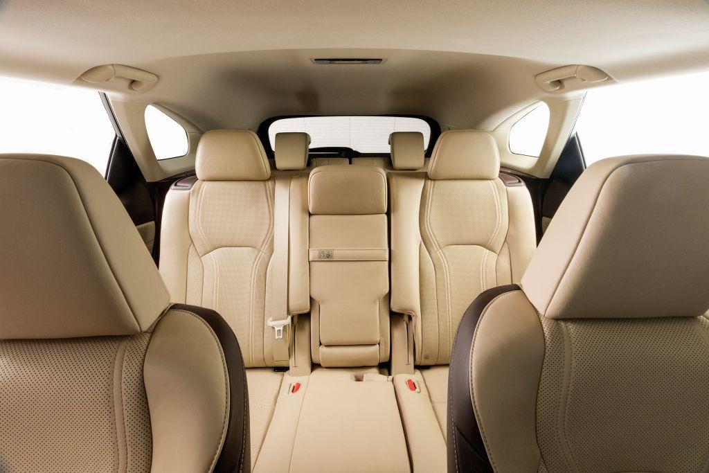 Lexus Shows Off 7 Seat Rx L In La Carsifu