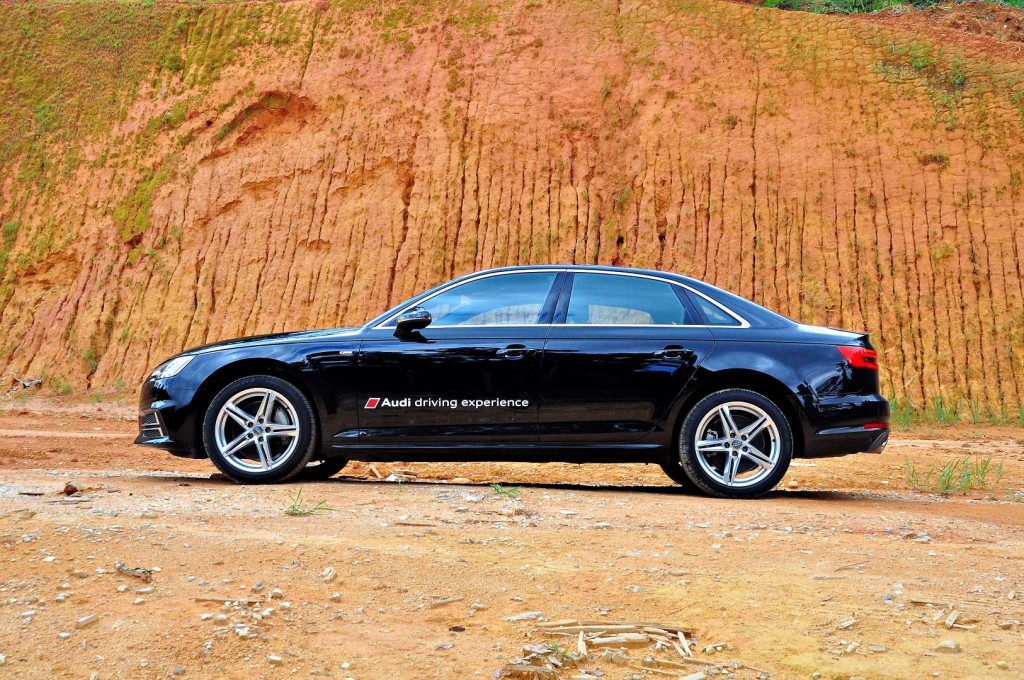 Audi A4 2.0 TFSI quattro - 04