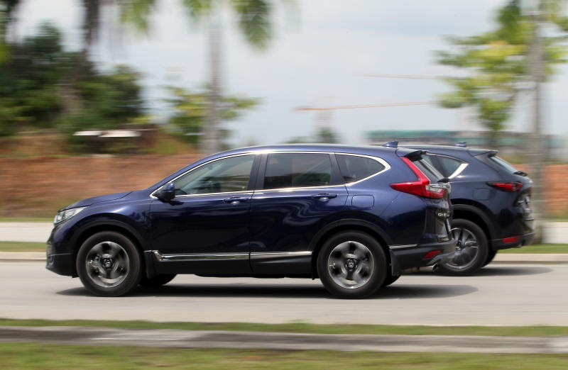 2017 Mazda CX-5 vs Honda CR-V (10)