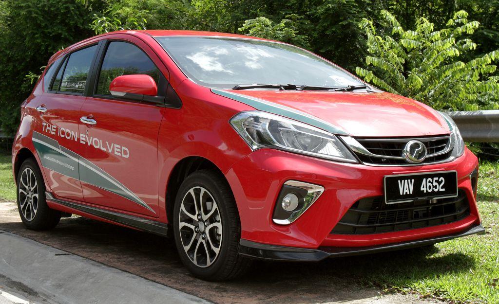 Proton Perodua Rivalry To Heat Up Auto Sector In 2018 Carsifu