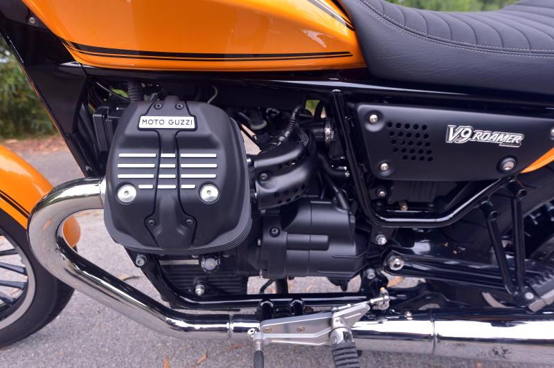 Moto Guzzi V9 Roamer (18)