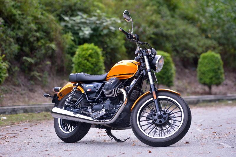 Moto Guzzi V9 Roamer (19)