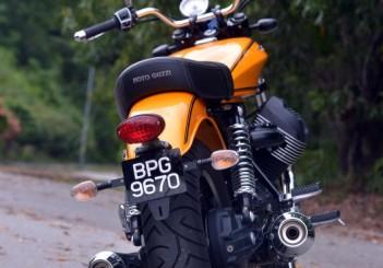Moto Guzzi V9 Roamer (9)