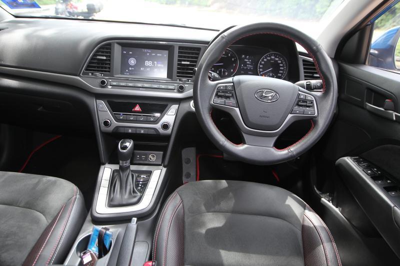 2017 Hyundai Elantra 2-litre MPi Executive (45)
