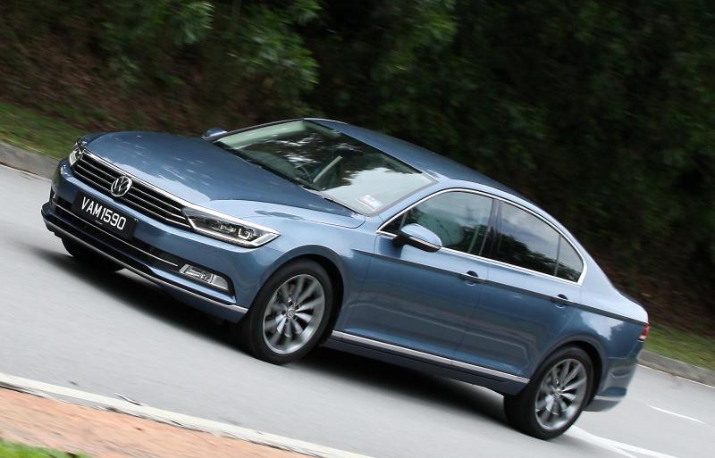 2017 Volkswagen Passat 1-8TSI Comfortline PLUS (1)