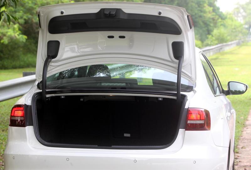 2017 Volkswagen Jetta 1-4L TSI (Comfortline) (61)