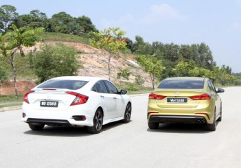 Honda Civic 1.5TC-P and Hyundai ELantra Sport 1.6 - 03