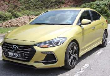 Hyundai Elantra Sport 1.6 - 02