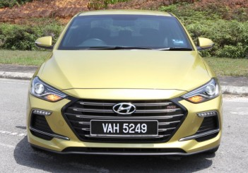 Hyundai Elantra Sport 1.6 - 05