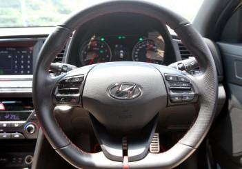 Hyundai Elantra Sport 1.6 - 15