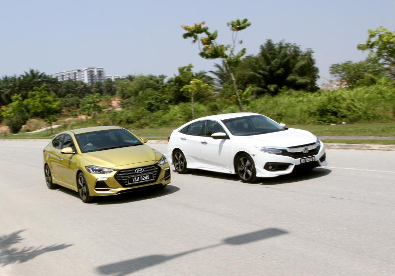 Hyundai Elantra Sport 1.6 and Honda Civic 1.5TC-P - 01