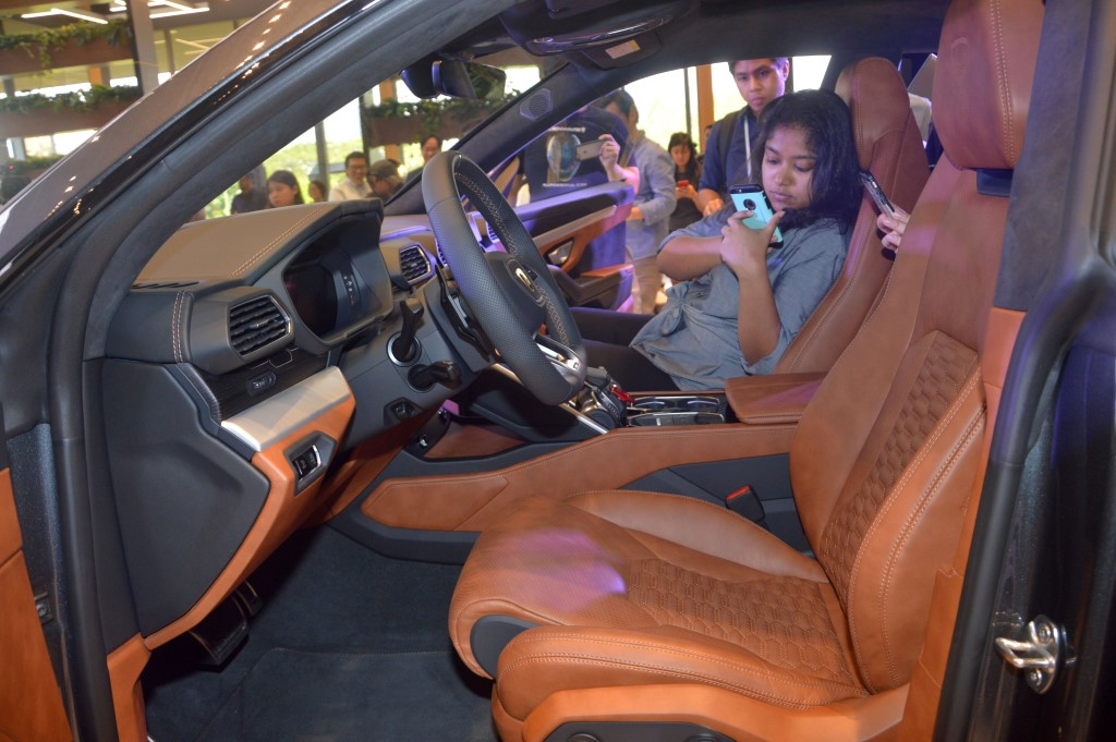 Lamborghini Urus Debuts In Malaysia Carsifu