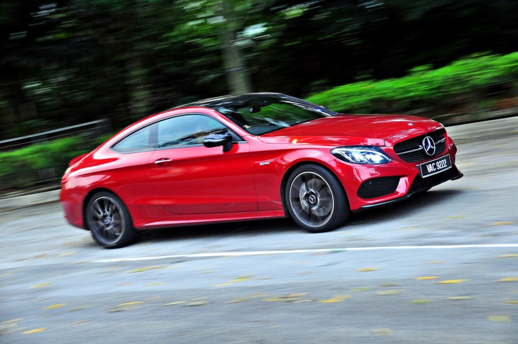 A Swing With The Mercedes Amg C 43 Coupe Carsifu