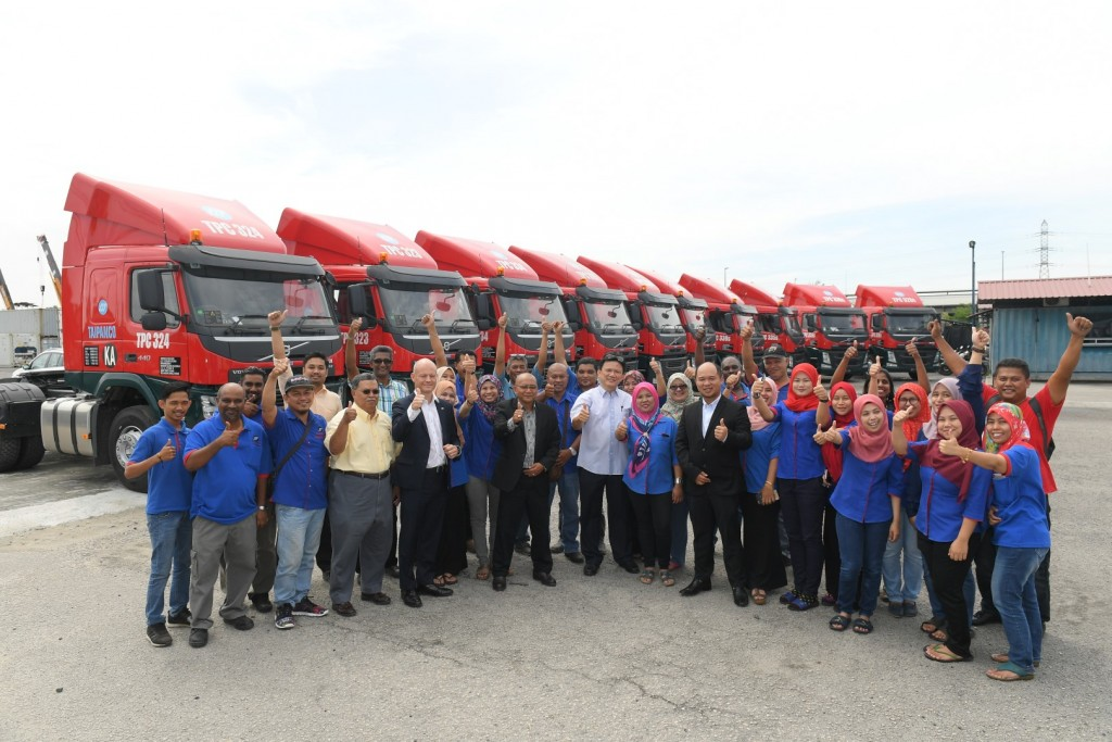Volvo Trucks Malaysia delivers 10 Prime Movers to Taipanco - 03
